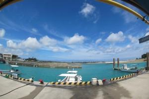 沖繩的青之洞窟浮潛!