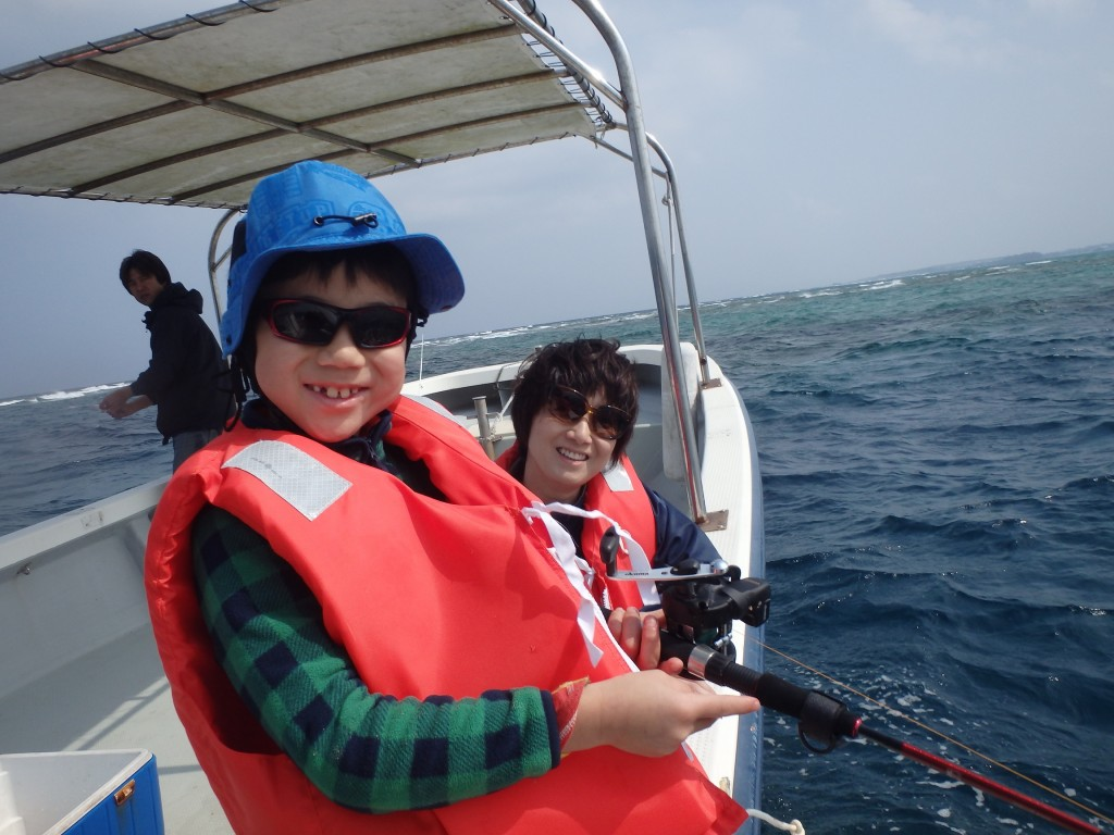 搭船去!!海上釣魚!!小朋友也可輕鬆參加